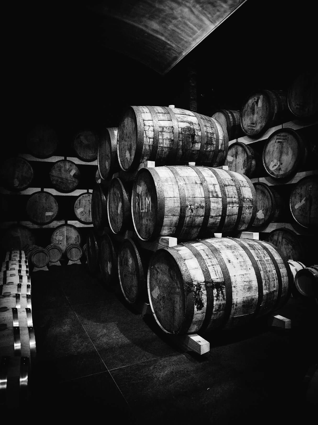 Rum-Fässer