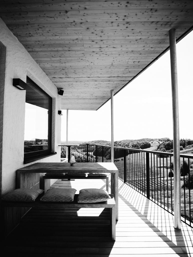 Terrasse mit Riegersburg-Blick